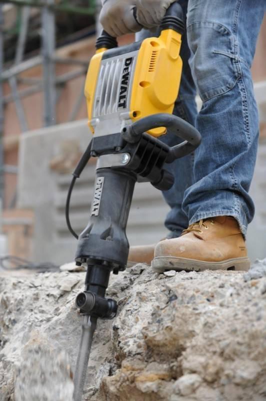 Демонтаж бетона отбойными молотками: технология (видео)